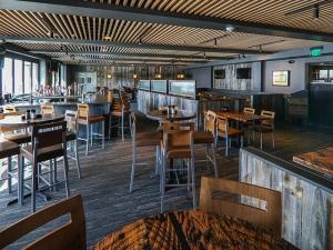 Robbie's Tavern